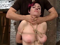 Iona Grace is a great bondage model who always pushes herself to the extreme...