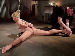 Carmen Caliente discovered rope bondage recently, and is now crazy about it...