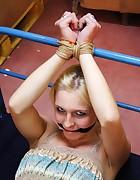 Blonde babe machine-fucked, pic #5