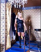 Lady in bondage, pic #1